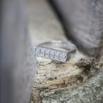 1e gehalte zilver_sterling zilver_925 zilver_ ring_horizontaal_hoefijzer vorm_ruimte_ etage_staafjes_goudsmid_edelsmid_Breda_ sieraden_handgemaakt
